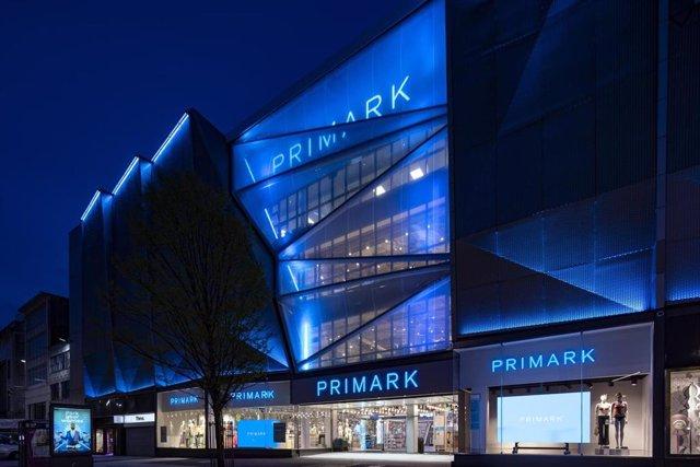 Economía.- Primark apuesta por la restauración y las experiencias con cafeterías y peluquerías en sus tiendas