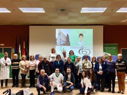 Pacientes y sus familias reciben en el Hospital Clínico de Málaga consejos para controlar la incontinencia urinaria
