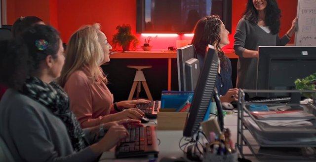 Fundación Orange cumple 20 años de labor social. Mujeres y tecnología