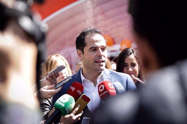 """28A.- Ilusionar A Los Españoles Y """"No Enfrentar"""", Objetivos De Campaña De Aguado Y Villacís Por Un País """"Unido"""""""