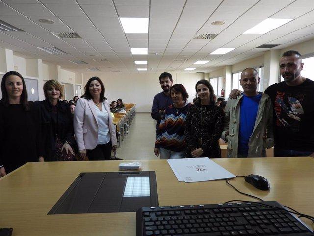 Huelva.- Estudiantes de Trabajo Social de la UHU conocen el funcionamiento de la UTE de la prisión en una mesa redonda
