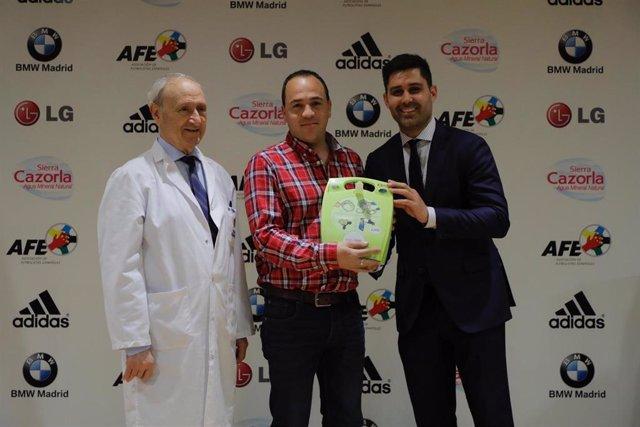 Fútbol.- AFE reparte desfibriladores a 29 clubes de la Comunidad de Madrid