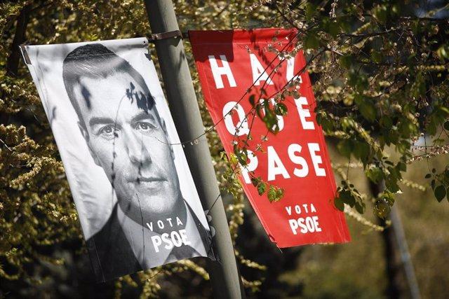 Los carteles electorales ya pueblan las calles de Madrid