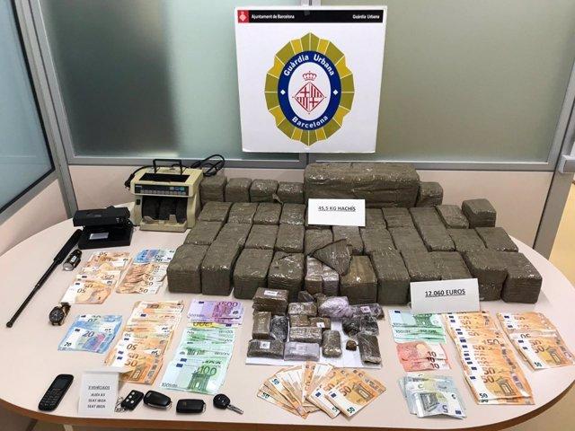 Sucesos.- Detenido un traficante que casi monopolizó la venta de hachís en Barcelona