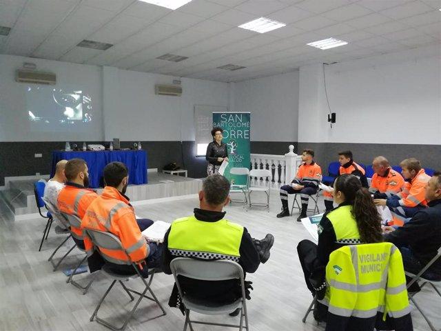 Huelva.- Unidad de Prevención Social de Diputación da un curso en San Bartolomé contra el consumo de alcohol en menores