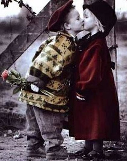 13 de abril: Día Internacional del Beso, ¿sabes cuánto duró el beso más largo de la historia?