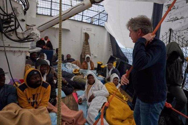 """Europa.- Sea Eye reclama una """"solución rápida, política y humanitaria"""" para el 'Alan Kurdi' en el Mediterráneo"""