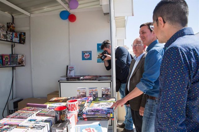 SaboresAlmería.- Diputación difunde la cultura almeriense en la I Feria del Libro de Roquetas de Mar