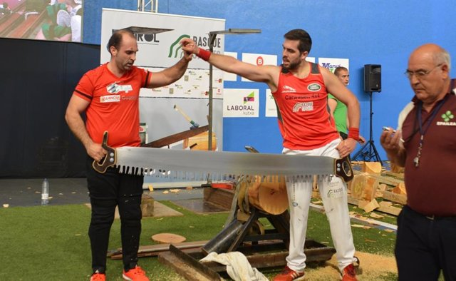 Atutxa y Urruzuno se imponen en Gatika y disputarán la final de '5 Kirol' el 1 de mayo