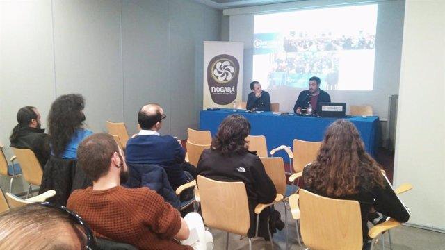 Iniciativa pol Asturianu destaca la importancia de los medios de comunicación para normalizar las lenguas