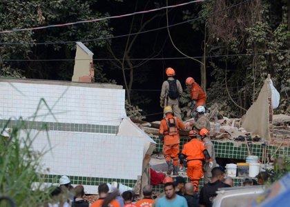 Aumenta a nueve el número de muertos por el derrumbe de dos edificios en una favela de Río de Janeiro