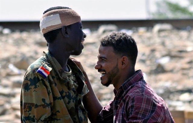 Sudán.- El consejo militar de Sudán comienza los preparativos para incorporar a civiles a la junta de transición
