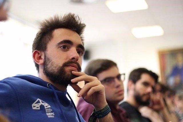 Granada.- Delegación de Estudiantes de la Universidad pide priorizar la apertura de la piscina olímpica de Fuentenueva