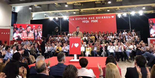 28A.- Sánchez se compromete a hablar con el independentismo sólo dentro de la Constitución y del Estatuto de autonomía