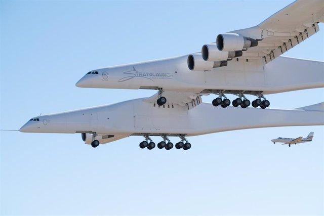 El vuelo del Stratolaunch abre nueva plataforma de lanzamiento espacial