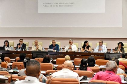 """Díaz-Canel advierte a los cubanos de las """"dificultades adicionales"""" que enfrenta el país y que """"pueden agravarse"""""""