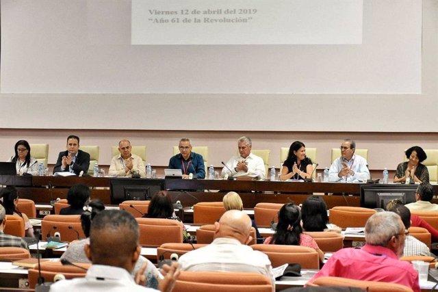 """Díaz-Canel advierte a los cubanos de las """"dificultados adicionales"""" que enfrenta el país y que """"pueden agravarse"""""""
