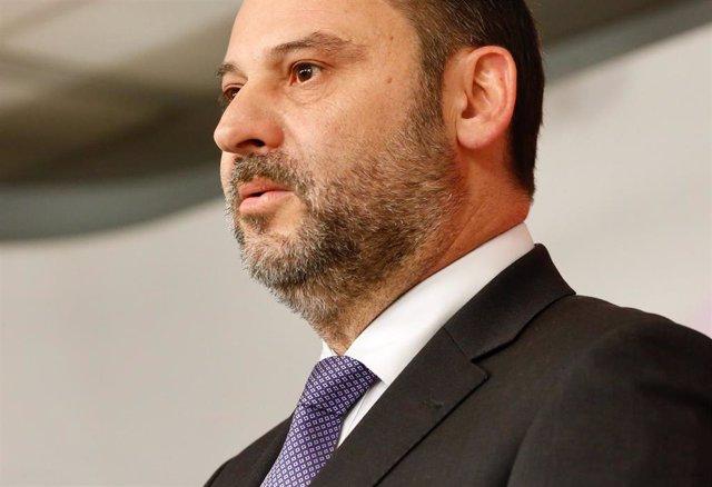 AV.- Ábalos advierte del riesgo de que España pase del bipartidismo imperfecto a un multipartidismo caótico