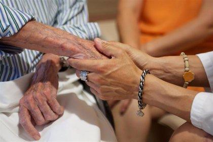 Casi el 40% de los mayores de 65 años se siente solo