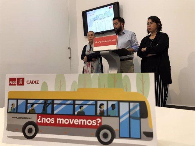 """Cádiz.- 26M.- Fran González presenta su reordenación de los autobuses para que los ciudadanos estén """"bien conectados"""""""