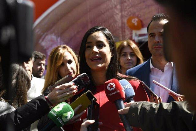 En Madrid la candidata de Ciudadanos a la Alcaldía de Madrid y el candidato a la Presidencia de la Comunidad de Madrid visitan el 'Espacio Ciudadano'