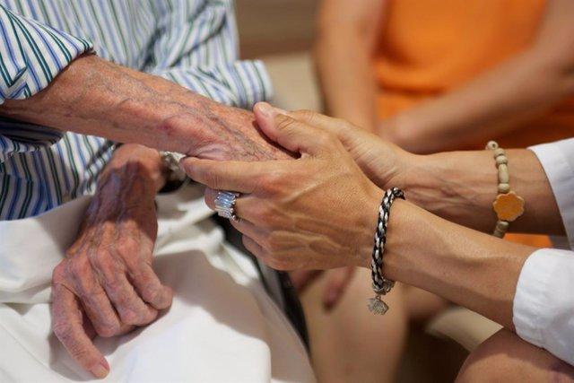 [Gruposocietatcat] Fwd: Ndp Estudio El 39,8% De les Persones Majors De 65 Anys