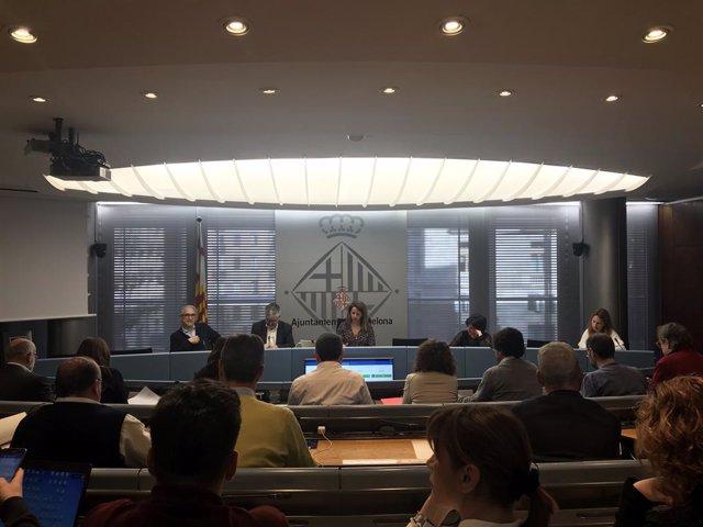 """L'oposició enlletgeix a Colau no aconseguir millores en habitatge i el seu balanç """"pobre"""" en pisos socials"""