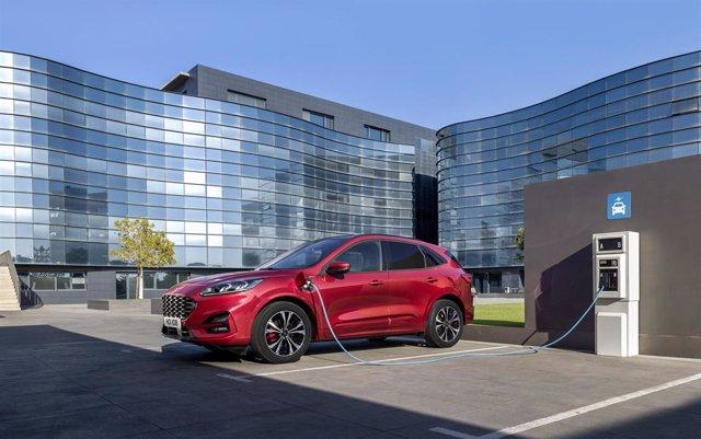 Economía/Motor.- Las ventas europeas de Ford caen un 9% en el primer trimestre, hasta 384.500 unidades