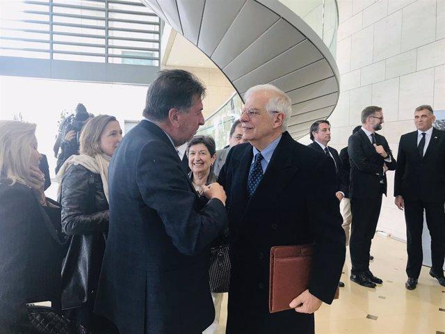 Borrell es reuneix amb els cònsols a Barcelona i no aborden el procés sobiranista