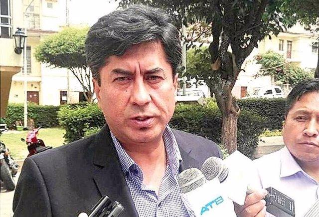 El Gobierno y la oposición bolivianos piden la dimisión de un magistrado acusado de violencia machista
