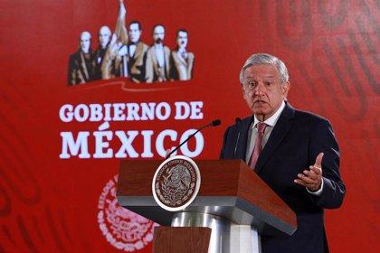 López Obrador promete que en tres años el sistema de salud mexicano será federalizado