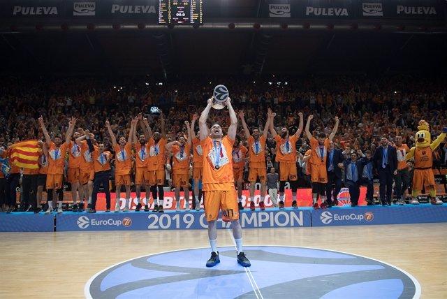 AV.- Baloncesto/Eurocup.- El Valencia Basket conquista su cuarta Eurocup tras ganar al ALBA por x