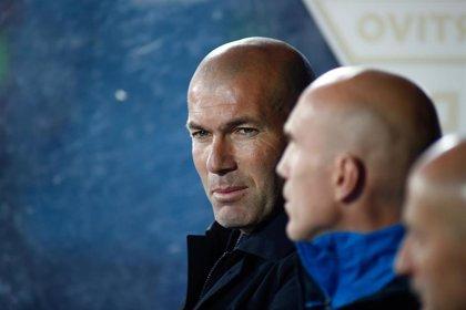 """Zidane: """"Benzema está acostumbrado a los rumores, no le va a cambiar nada"""""""