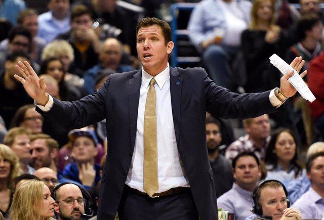 Baloncesto/NBA.- Los Lakers destituyen a Luke Walton