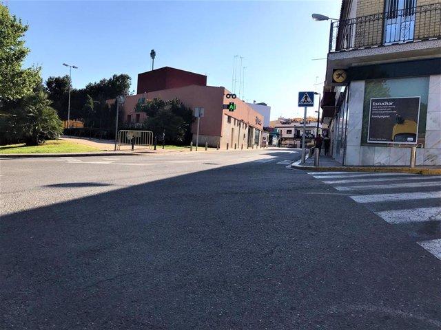 Sevilla.-Sustitución.-Entra en servicio la nueva acometida que mejora el suministro eléctrico del Campo de las Beatas...