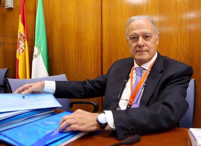 Ángel Ojeda a su llegada a la comisión de investigación