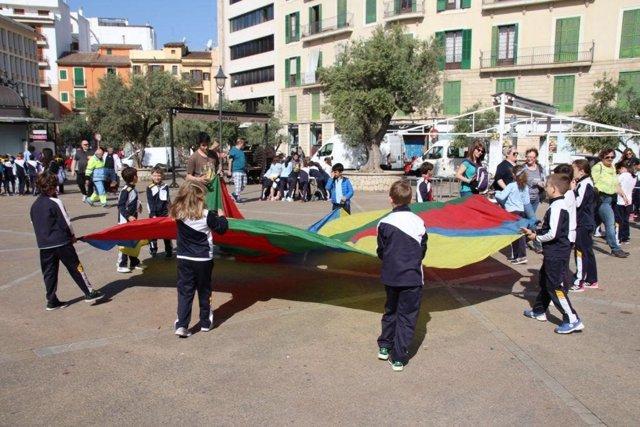 El programa 'L'escola al mercat' finaliza con una 'yincana' para promocionar la dieta mediterránea para 120 alumnos