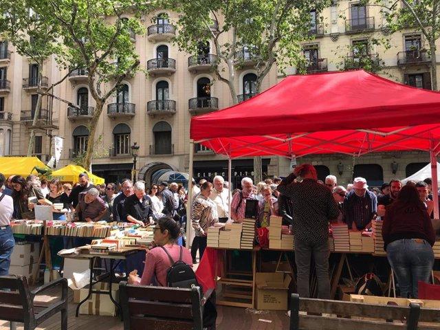 Sant Jordi en la Rambla de Barcelona