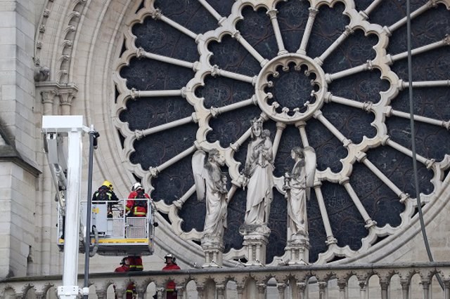 Rosetón Notre Dame de Paris incendio