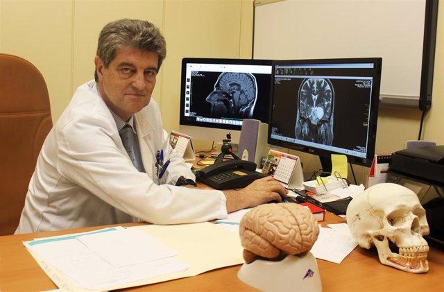 La aplicación de radiocirugía en casos de Parkinson conlleva una mejora en el 80% de los pacientes, según un experto