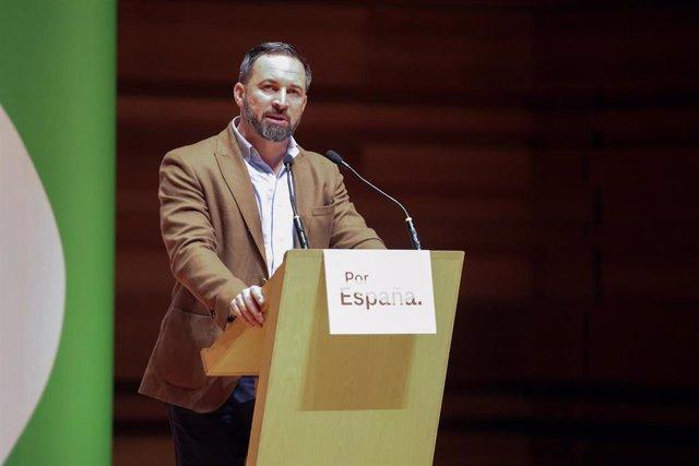 Santiago Abascal participa en una acto con simpatizantes