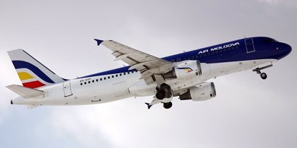 La UE incluye la mayoría de aerolíneas de Moldavia en su lista negra y vigila a República Dominicana
