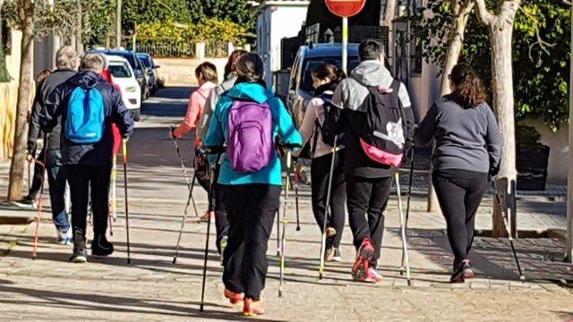 El Centre de Salut Arquitecte Bennsar acull el dissabte la primera jornada del programa 'Nordic Walking Saludable'