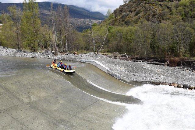 El riu Noguera Pallaresa suma 50 quilòmetres navegables seguits de Llavorsí a la Pobla de Segur