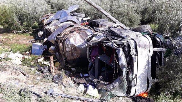 Granada.- Sucesos.- Fallece un camionero al salirse de la vía y volcar en Iznalloz