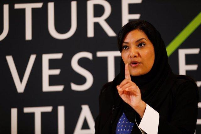 A.Saudí.- Arabia Saudí nombra por primera vez a una mujer como embajadora en Est