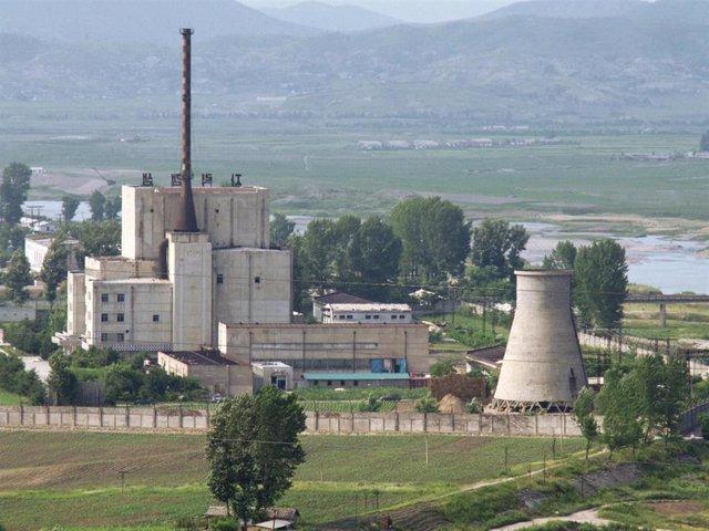 Corea.- Corea del Sur dice que Corea del Norte detuvo sus operaciones en Yongbyon y no las ha reactivado