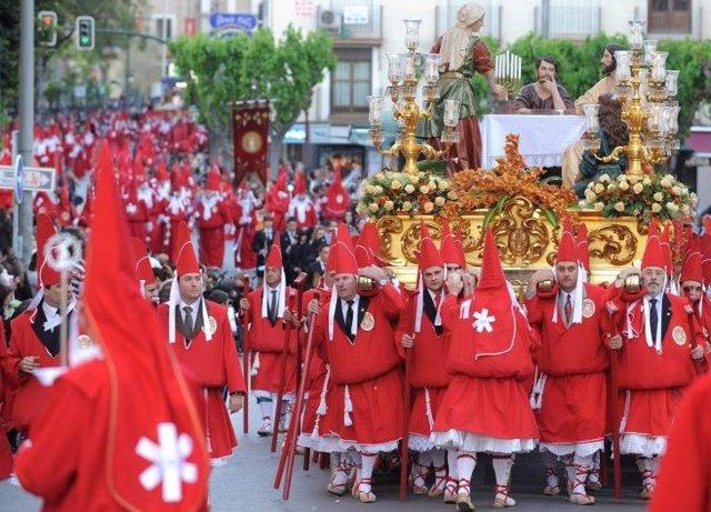 *S.Santa.- El Fervor De 'Los Coloraos' Inunda El Miércoles Santo La Ciudad De Murcia