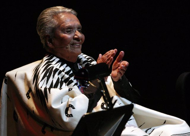 Legendary Costa Rican singer Chavela Vargas claps during the launch of her recor