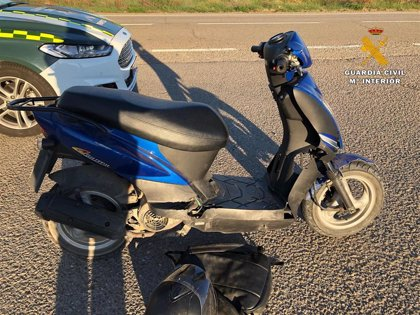 Detenido un joven de 23 años cuando circulaba con una moto dada de baja, con matrícula falsa y sin carnet de conducir